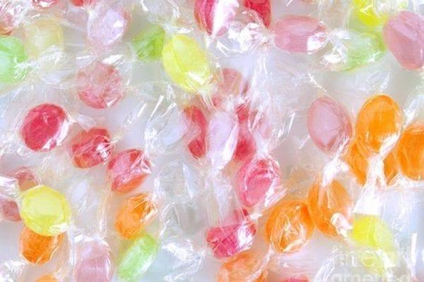סוכריות יהלום צבעוניות