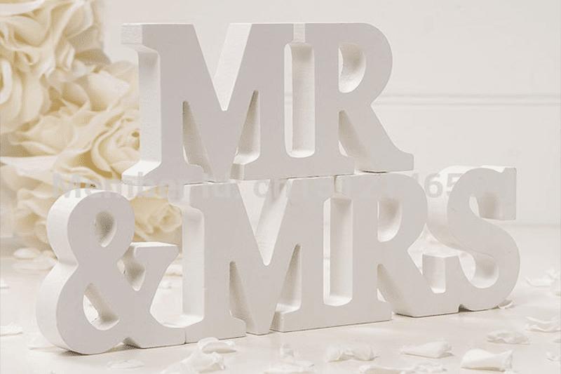 אותיות מעץ לצילומים Mr mrs