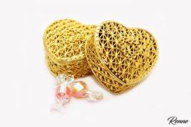 קופסא פלסטיק בצורת לב דגם רשת זהב