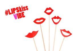אביזרי צילום על מקל שפתיים נשיקה