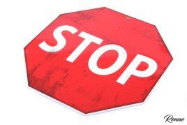 שלט STOP
