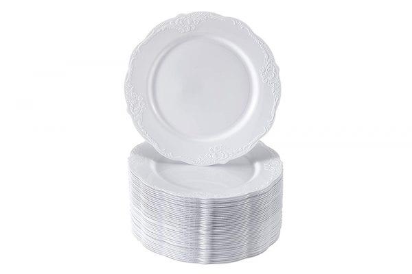 צלחות וינטג' מעוצבים לבן