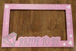 מסגרת צילום ורודה Bride To Be