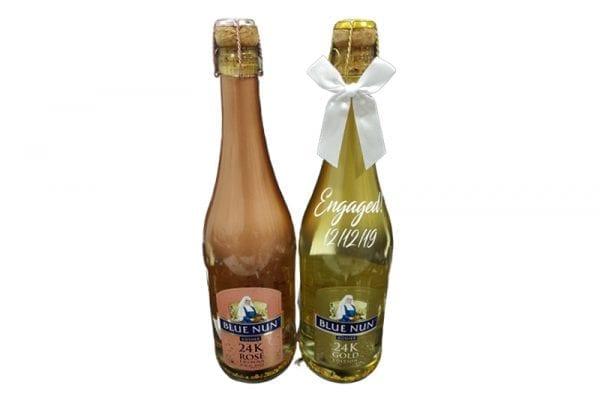 בקבוק שמפניה גדול ממותג BlueNun